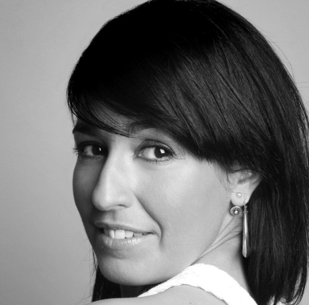 María Carrasco.